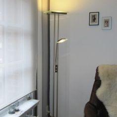 Lámpara de pie JAX con brazo de lectura cuadrada acero