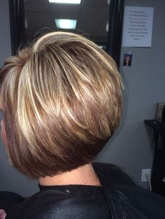 Haarschnitt Bob Haircut Which Future For South-east Queensland? Stacked Bob Hairstyles, Short Bob Haircuts, Short Hairstyles For Women, Curly Hairstyles, Wedding Hairstyles, Short Hair With Layers, Short Hair Cuts, Medium Hair Styles, Short Hair Styles