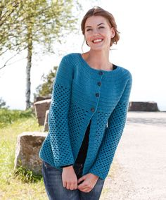 Ravelry: Chantal - Jacket - free crochet pattern by DROPS design [DK] Crochet Jacket Pattern, Gilet Crochet, Crochet Cardigan Pattern, Crochet Shirt, Knit Cowl, Bolero Pattern, Baby Knitting Patterns, Crochet Patterns, Scarf Patterns