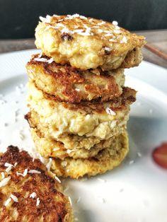 Sunde bananpandekager med kokos og havregryn Cake Cookies, Salmon Burgers, Pancakes, Brunch, Recipies, Baking, Eat, Breakfast, Ethnic Recipes
