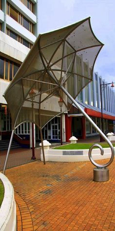 Huge Umbrella in Invercargill - New Zealand Living In New Zealand, New Zealand South Island, Best Travel Deals, Tourist Information, The Beautiful Country, New Zealand Travel, Small Island, What A Wonderful World, Pacific Ocean