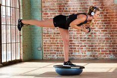 Lindsey Vonn shows athletics exercise. Skiing Workout, Cycling Workout, Cycling Tips, Road Cycling, Lindsey Vonn, Swimming Tips, Swimming Workouts, Spin Bike Workouts, Single Leg Deadlift