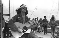 "Country Joe McDonald performed solo and with ""The Fish"", 1969 Woodstock Henry Diltz photography 1969 Woodstock, Festival Woodstock, Woodstock Concert, Woodstock Music, Woodstock Hippies, Creedence Clearwater Revival, Beatles, Jeff Beck, Joan Baez"