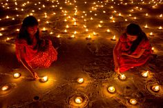 Diwali (Deepavali or Deepawali or Dipawali) is India's big festival. Diwali means rows of lighted lamps. It is a festival of lights and all Indian Hindus celebrate it. During this festival, people light up their houses and shops. Festivals Of India, Festivals Around The World, Indian Festivals, Fall Festivals, Diwali 2018, Diwali Sale, Hindu Festival Of Lights, Diwali Festival, Diwali Wishes