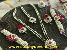 Fresh Flower Jewellery At Your Door Step. Mehndi And Baby Shower Flower Jewellery Best Designs buy online, Floral Jewellery Special Designs, Natural Flower Jewellery Top Design, Real Flower Jewellery at Best price, fresh flower jewellery For Dohale Jevan Bridal Jewelry, Beaded Jewelry, Handmade Jewelry, Flower Jewellery For Mehndi, Flower Jewelry, Bridal Hair Flowers, Fabric Jewelry, Real Flowers, Flower Decorations
