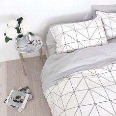 Home accessory: bedroom, bedding, black, white, home decor, tumblr - Wheretoget