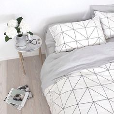 Home accessory: bedroom, bedding, black, white, home decor, tumblr - Wheretoget