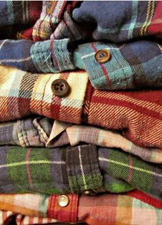 Mystery Flannel Shirts - All Colors & Sizes Vintage Flannel Shirts-Over-sized Grunge Flannels- All Sizes & Styles Get your own Hipster / Grunge/ Flannel Shirts. Source by joancullerot flannel Looks Street Style, Looks Style, Style Me, Ivy Style, Hipster Shirts, Hipster Grunge, Hipster Style, Scorpius And Rose, Jace Lightwood