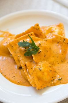 Giorgio's homemade salmon ravioli in a creamy tomato sauce - FOOD / RECIPES Creamy Tomato Sauce, Homemade Tomato Sauce, Homemade Pasta, Homemade Ravioli Filling, Homemade Ravioli Recipes, Homemade Jelly, Fish Recipes, Seafood Recipes, Pasta Recipes