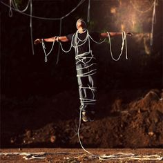 A totally creative product utilizing the rope, which is also signified by author as some kind of 'social bond' in our life. (Image Source: Somewhere Lovely) Double Exposure Photography, Levitation Photography, Water Photography, Abstract Photography, Creepy Old Photos, Perspective Photography, Rope Art, Experimental Photography, Travel Design