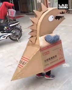 [New] The 10 Best Home Decor (with Pictures) - Once they suggested the idea of dinosaur customs they didnt want to be anything else cute Projects For Kids, Diy For Kids, Crafts For Kids, Decor Crafts, Fun Crafts, Diy And Crafts, Diy Halloween Costumes For Kids, Halloween Crafts, Cardboard Crafts