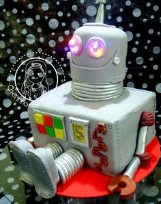 Robot Cake ~ so cute!