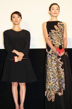 大島優子&宮沢りえ/『紙の月』初日舞台挨拶 One Shoulder, Akb48, Formal Dresses, Outfit Ideas, Outfits, Projects, Fashion, Dresses For Formal, Log Projects