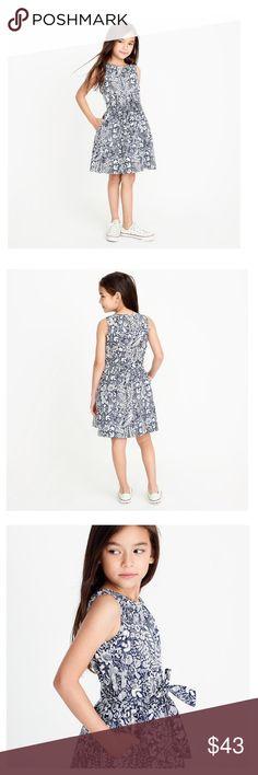 e4a680f4 Crewcuts girls dress 🎉HOST PICK🎉 100% Cotton Fully lined Button back  Slant pockets