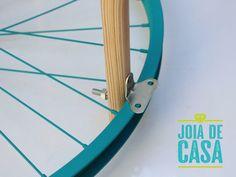 Mesa com roda de bicicleta (versão 2.0) | Joia de Casa Hacks Diy, Home Hacks, Home Crafts, Diy And Crafts, Flex Room, Reuse Recycle, Recycled Furniture, Creative Decor, Hobbies And Crafts