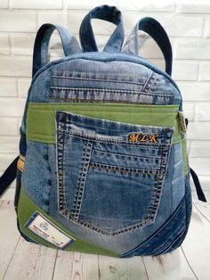 Jean Backpack, Backpack Bags, Fashion Backpack, Diy Jeans, Mochila Jeans, Crochet Backpack, Patchwork Jeans, Denim Ideas, Recycled Denim