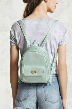 Crush your commute & shop women's backpacks at Forever Find mini, faux leather, quilted backpack styles & more that make any adventure a breeze. Cute Leather Backpacks, Stylish Backpacks, Backpack Purse, Mini Backpack, Mini Bag, Shoulder Backpack, Fashion Bags, Fashion Backpack, Tejidos