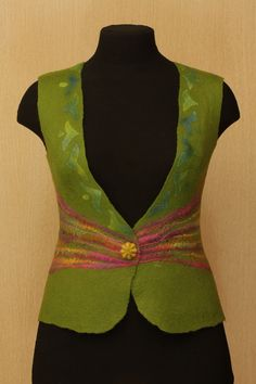 Over the Fence / Felted Clothing / Vest por LybaV en Etsy, $160.00