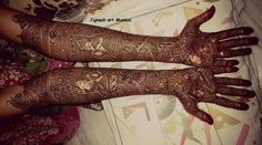 This wedding season, we have compiled some of the most stunning bridal mehendi designs that you will absolutely adore. Mehndi Designs For Hands, Bridal Mehndi Designs, Bridal Henna, Mehandi Designs, Henna Mandala, Mandala Tattoo Design, Henna Tattoo Designs, Henna Art, Paisley Tattoos