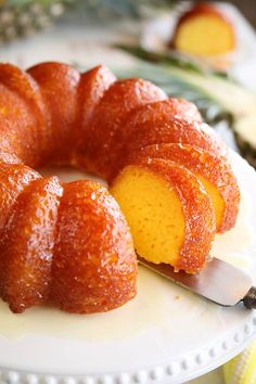 This recipe for Pineapple Juice Cake starts with a cake mix, adds pineapple juice in the batter, and then the cake is bathed in a butter-pineapple juice glaze. It's so easy, but super delicious! Pineapple Cake, Pineapple Juice, Lime Juice, Pineapple Bundt Cake Recipe, Orange Juice Cake, Dole Pineapple, Vodka Lime, Celery Juice, Pineapple Upside