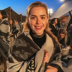 Kiernan shares her favorite products for a quick and easy routine. Illinois, Teen Witch, College Fashion, College Outfits, School Outfits, Kiernan Shipka, Sabrina Spellman, Hollywood Boulevard, Black Skinnies