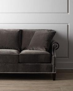 H6KXQ Glencrest Sofa