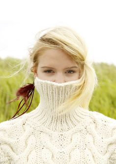 Thick Sweaters, Cozy Sweaters, Cowl Neck Dress, Mohair Sweater, Catsuit, Sweater Outfits, Sweater Weather, Cool Pictures, Knitwear