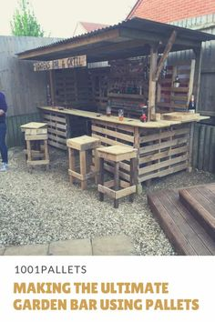 Pallet Outdoor Furniture How to turn a pile of old pallets into a cool outdoor bar fit for any garden. - If you've got pallets, you can make the Ultimate Garden Bar on your patio, outdoor areas or man-cave! Have the perfect party yard for under 200 bucks! 1001 Pallets, Recycled Pallets, Recycled Wood, Diy Bar, Diy Pallet Projects, Wood Projects, Pallet Ideas, Pallet Wood, Diy Pallet Bar