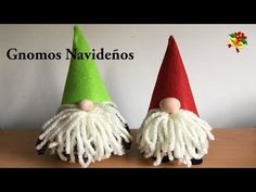 Learn how to make this Scandinavian Tomte/Nisse Christmas Gnome. A nisse (usually Norwegian/Danish) and a tomte (usually Swedi.Socken- Wichtel ganz leicht basteln - How to make a Sock GnomeChristmas is coming! We all have to prepare with some decorat Easy Christmas Crafts, Christmas Projects, Simple Christmas, Christmas Decorations, Christmas Ornaments, Christmas Knomes, Natal Diy, Tutorial Diy, Gnome Ornaments