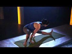 Gwen Lawrence | 7 Min Fit Body Yoga Legs