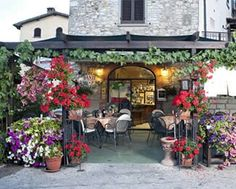 Dante Enoteca in Rada, Chianti, Italy. The Tuscan Bread Soup or Ribolito was one of the best dishes I had in Italy.