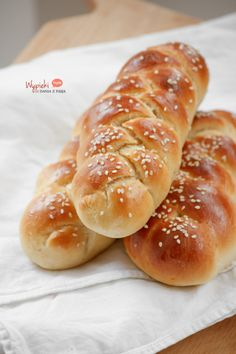 mini chałeczki Challah, Polish Recipes, Bread Rolls, Sweet Bread, Hot Dog Buns, Sweet Tooth, Brunch, Food And Drink, Cooking