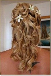 Wedding hairstyles complete the look on your special day. A guide to wedding hairstyles with ideas, picture galleries of bridal hair, and stories about wedding hair styles and choices. Winter Wedding Hair, Wedding Hair Down, Wedding Hair Flowers, Wedding Hair And Makeup, Flowers In Hair, Hair Makeup, Small Flowers, Summer Wedding, Purple Flowers