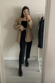 Basic Outfits, Cute Casual Outfits, Fall Outfits, Aesthetic Grunge Outfit, Aesthetic Clothes, Girl Fashion, Fashion Outfits, Womens Fashion, Elegant Outfit