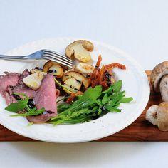 Ob als Vorspeise oder als leichtes Hauptgericht - dieser Salat wird Ihre Gäste begeistern.