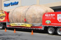 Take a picture by the giant potato, Idaho