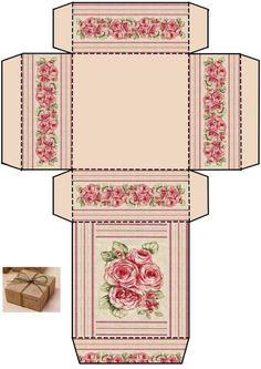 Caja cuadrada con rosas.