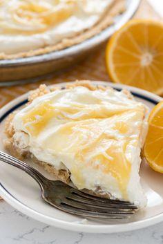 No Bake Lemon Cheesecake - this easy no bake cheesecake is full of lemon flavor! It's the perfect no bake pie recipe!