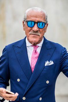 写真展「ピッティーズ エキセントリック ジェントルマン」池袋で開催、イタリアに集結した個性的な紳士達 | ニュース - ファッションプレス
