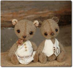 2 little bears