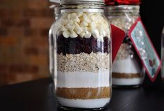Cookie mix jars: who knew OCD tendencies could taste so good? | thecreativejunkie.com