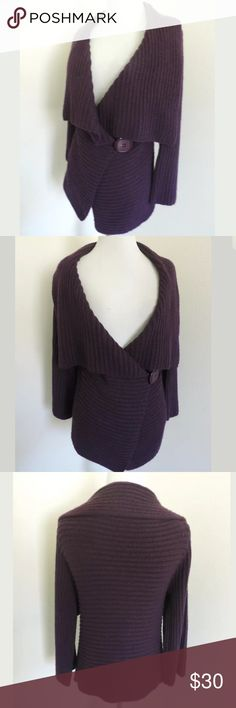 BCBG Max Azria sweater SKU #A3788 Fabric Content: 90% acrylic, 10% Spandex Brands: BCBG Max Azria Waist: 34 Bust: 32 Length Shoulder to Hem: 23.5 Beautiful sweater! It does show some minor pilling and wear. BCBGMaxAzria Sweaters