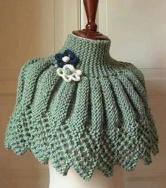 Knitting and crochet poncho and scarf Crochet Bolero, Knit Shrug, Crochet Poncho, Knit Or Crochet, Knitted Shawls, Capelet, Knitting Patterns, Crochet Patterns, Knitting Ideas