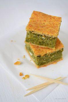 Torta-verde-alle-erbe-spontanee-piantaggine-tarassaco