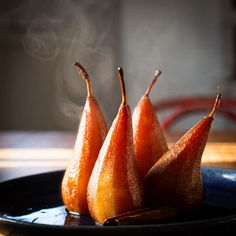 This Poached Pears with Spiced Prune Juice recipe makes a light, warming dessert with no added sugar. Serve hot or cold with whipped vanilla cream. Hotel Breakfast Buffet, Cooking Time, Cooking Recipes, Dried Plums, Post Workout Smoothie, Small Baking Dish, Vanilla Whipped Cream, Poached Pears, Serving Dishes