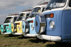 VW Camper Van. Seriously wish I had those tire covers for my bus!!