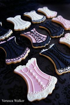 these cookies are sooo cute! perfect for a lingerie shower. Galletas Cookies, Cute Cookies, Sugar Cookies, Orange Cookies, Fancy Cookies, Baking Cookies, Iced Cookies, Lingerie Shower, Lingerie Party