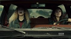 Tatiana Maslany delivers the four best performances on television. Our ORPHAN BLACK recap: http://vnty.fr/1kCFDnl pic.twitter.com/oG2NbWOU8B