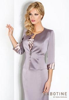 DONNA 6227  Conjunto de falda larga, top y chaqueta en jacquard y detalles de cristal