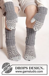 """fish / DROPS Extra - free knitting patterns by DROPS design Mr. Fish - The set includes: Knitted DROPS mittens and socks in """"Alpaca"""" with fish pattern. Knit Mittens, Crochet Slippers, Knitted Gloves, Knitting Socks, Knit Crochet, Crochet Hats, Knitted Mittens Pattern, Kids Slippers, Drops Design"""